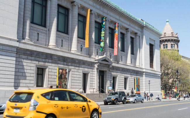 The front of New York Historial Society Museum and Library.